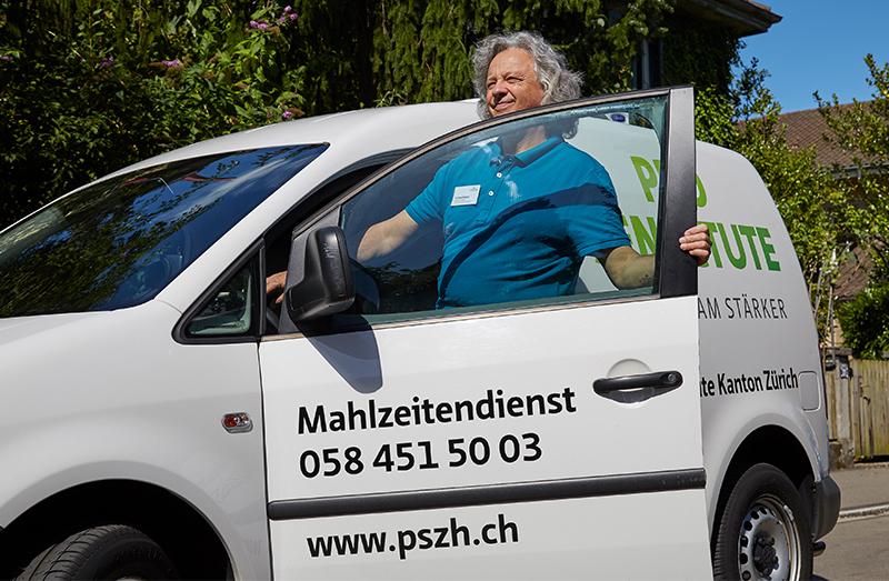 pro_sen__0002_Bilderkarussell_Mahlzeitendienst Zrich_ Martin Glauser_190185